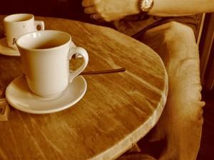 Каждую неделю по вторникам антикафе «New Time» приглашает всех желающих попрактиковать английский в уютной обстановке за чаем и кофе со сладостями, завести новые знакомства и пообщаться с иностранными гостями.